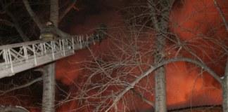 Пожар в бараке на 3-м переулке Серафимовича, 16