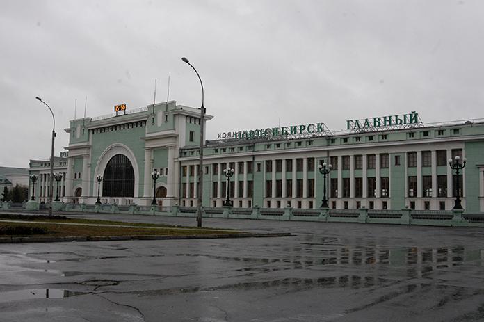 Вокзал Новосибирск-Главный дождь