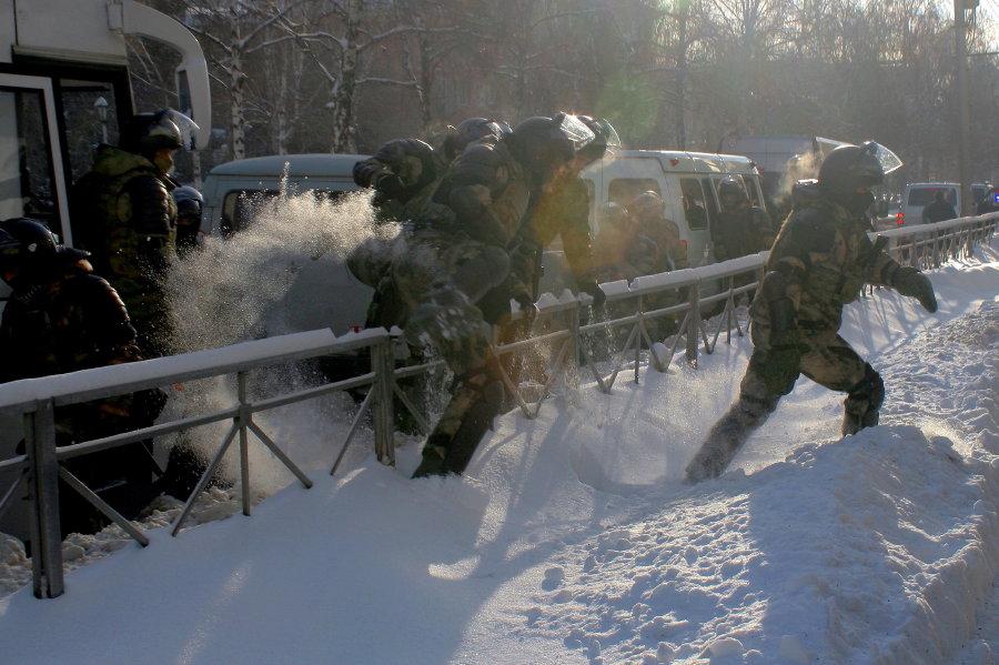 Суд взыскал с активистов 1,6 млн рублей за работу полиции на митинге