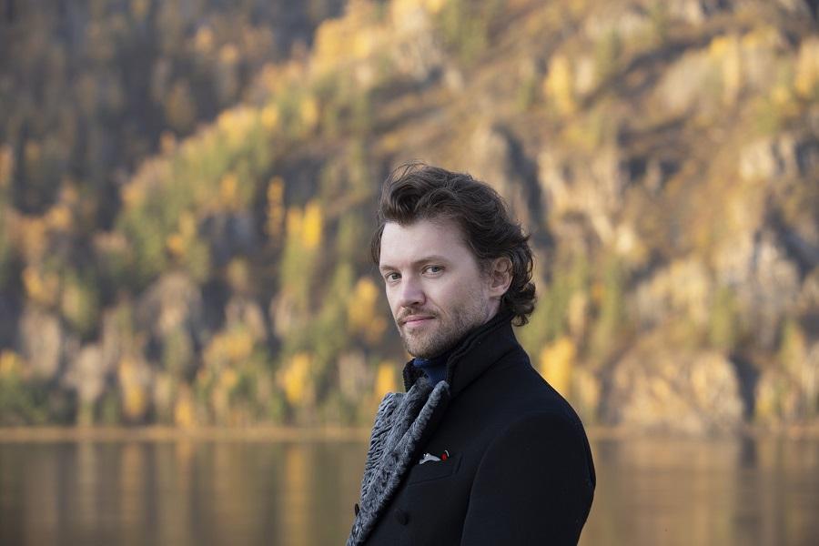Антон Левахин